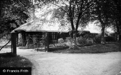 Sandringham, Thatched Cottage Lodge c.1930