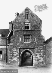 Sandwich, Fisher Gate 1894