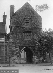 Sandwich, Fisher Gate c.1910