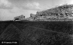 Sandwich, Richborough Castle 1954