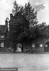 Sandwich, The Fisher Gate 1914