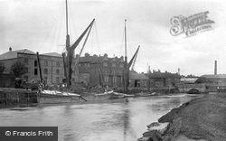 Sandwich, The River Medway 1924
