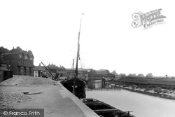 Sandwich, The River Stour 1914