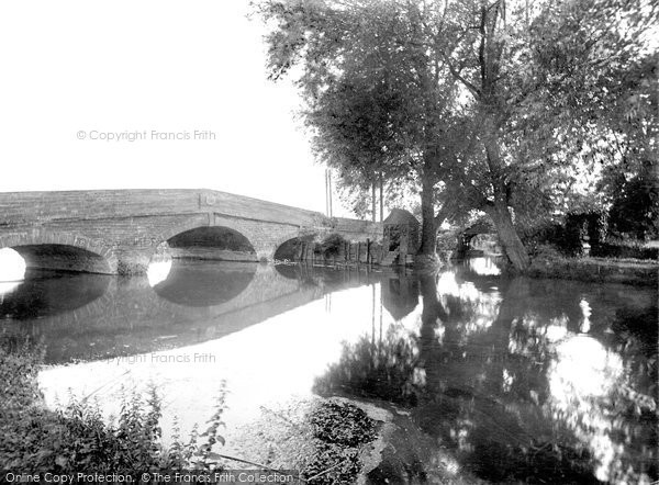 Photo of Sandy, Girtford Bridge 1925