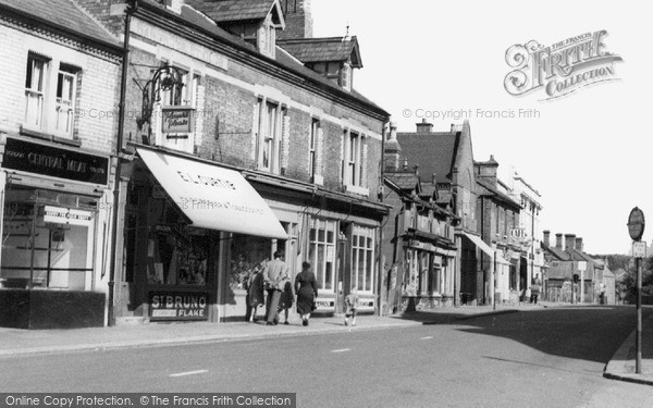 Photo of Sandy, High Street c1960, ref. S61012