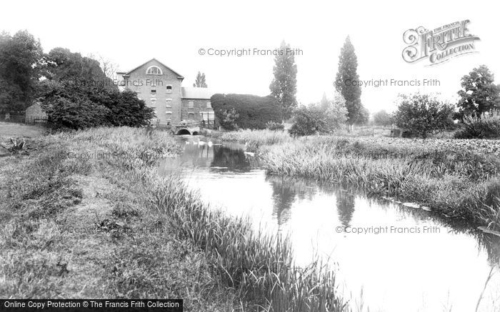 Photo of Sandy, The Mill 1925