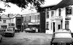 Sarisbury Green, Sarisbury Building And The New Inn c.1966, Sarisbury