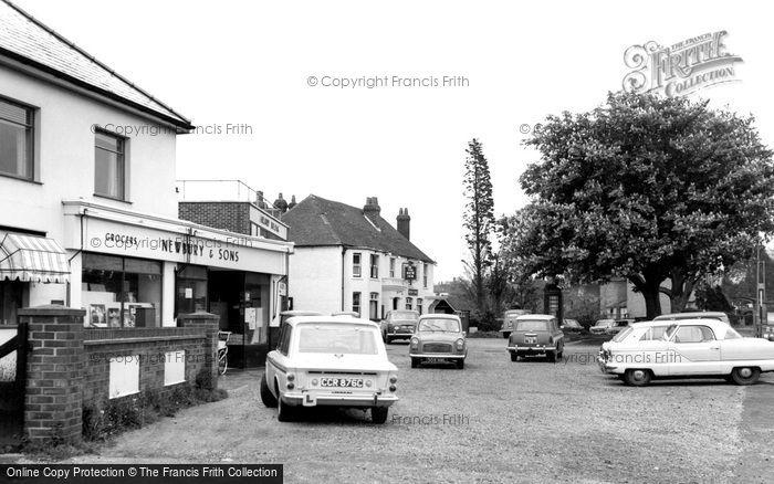 Sarisbury Green, the Parade c1965