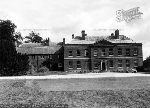 Photo of Sarnesfield, The Court Hotel c.1950
