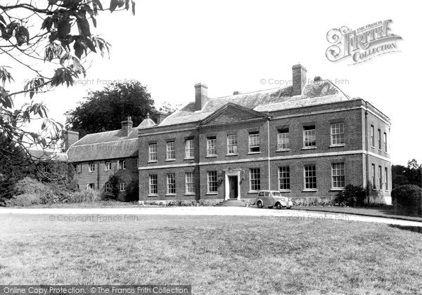 Photo of Sarnesfield, The Court Hotel c.1950