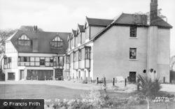 Saundersfoot, St Brides Hotel c.1950