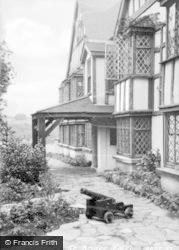 Saundersfoot, St Brides Terrace c.1955