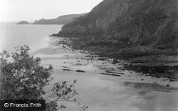 Saundersfoot, View From The Glen c.1949