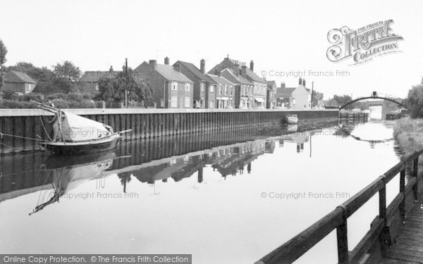 Photo of Saxilby, Fossdyke c.1965