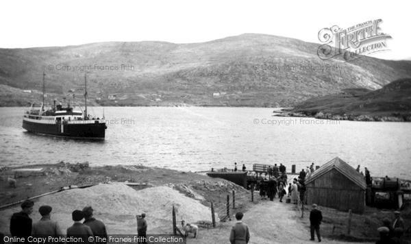 "Scalpay, M.V. ""Lochmor"" approaching Pier c1965"