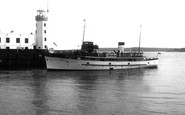 Scarborough, Harbour Entrance c.1955