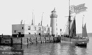 Scarborough, The Lighthouse 1890