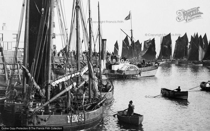 Scarborough, the Pierhead  1890