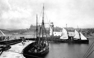 Scarborough, The Quay And Lighthouse c.1890