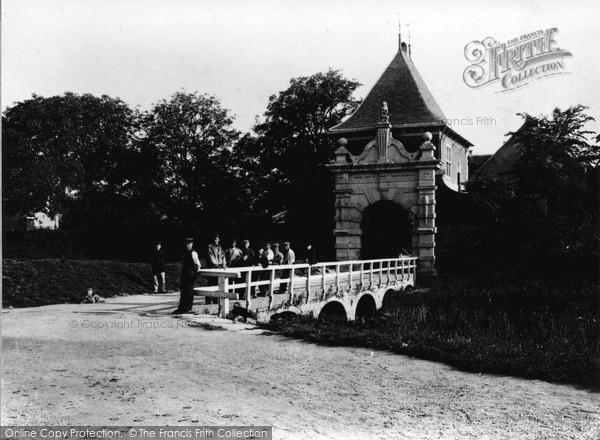 Photo of Schoonhoven, The Veerpoort c.1910
