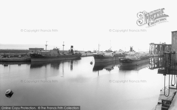 Photo of Seaham, the Harbour c1955, ref. s287049