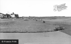 Seaton Carew, The Cliff c.1960