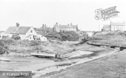 Seaton Sluice, The Sluice c.1965