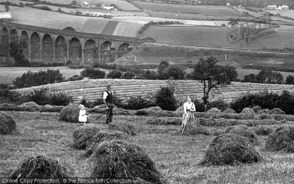 Photo of Sedbergh, Hay Making 1924, ref. 75815x