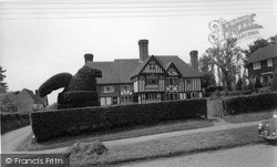 Sedlescombe, Manor Cottages c.1960