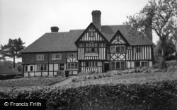 Sedlescombe, The Old Manor House c.1960