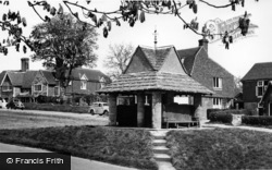 Sedlescombe, The Village Pump c.1955