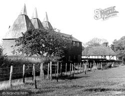 Selling, Oast Houses c.1955