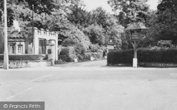 Selsdon, Entrance To Selsdon Park Hotel c.1965