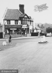 Selsdon, The Off Licence, Cross Roads c.1965