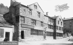 The Folly 1895, Settle