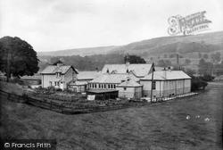 The Girls High School 1929, Settle