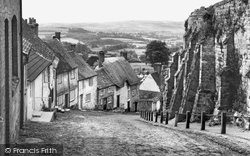 Shaftesbury, Gold Hill, St James c.1960