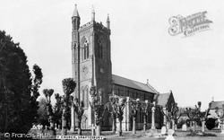 Shaftesbury, Holy Trinity Church c.1965