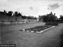 Shaftesbury, The Gardens c.1965
