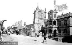 Shaftesbury, Town Hall And St Peter's Church c.1902