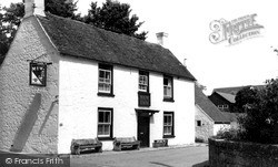 Shalfleet, The New Inn c.1955