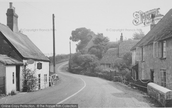 Photo of Shalfleet, The Village c.1955