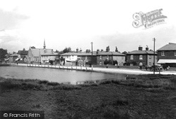 Shalford, Village And Pond 1908