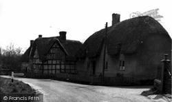The Village c.1955, Sharcott