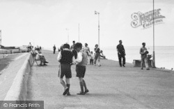 Sheerness, Boys On The Esplanade c.1955