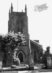 Sheerness, Holy Trinity Parish Church c.1960