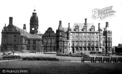 Sheffield, The Town Hall c.1955