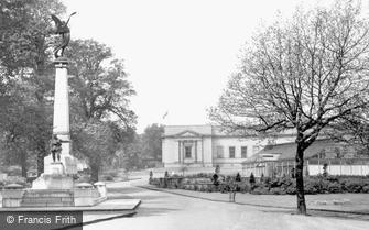 Sheffield, Weston Park War Memorial c1955