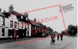 Ampthill Road c.1955, Shefford