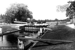 Shepperton, The Lock 1890